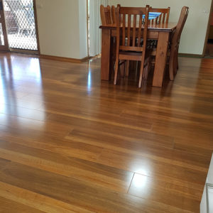 Spotted Gum 12mm Laminate Flooring (gy010)